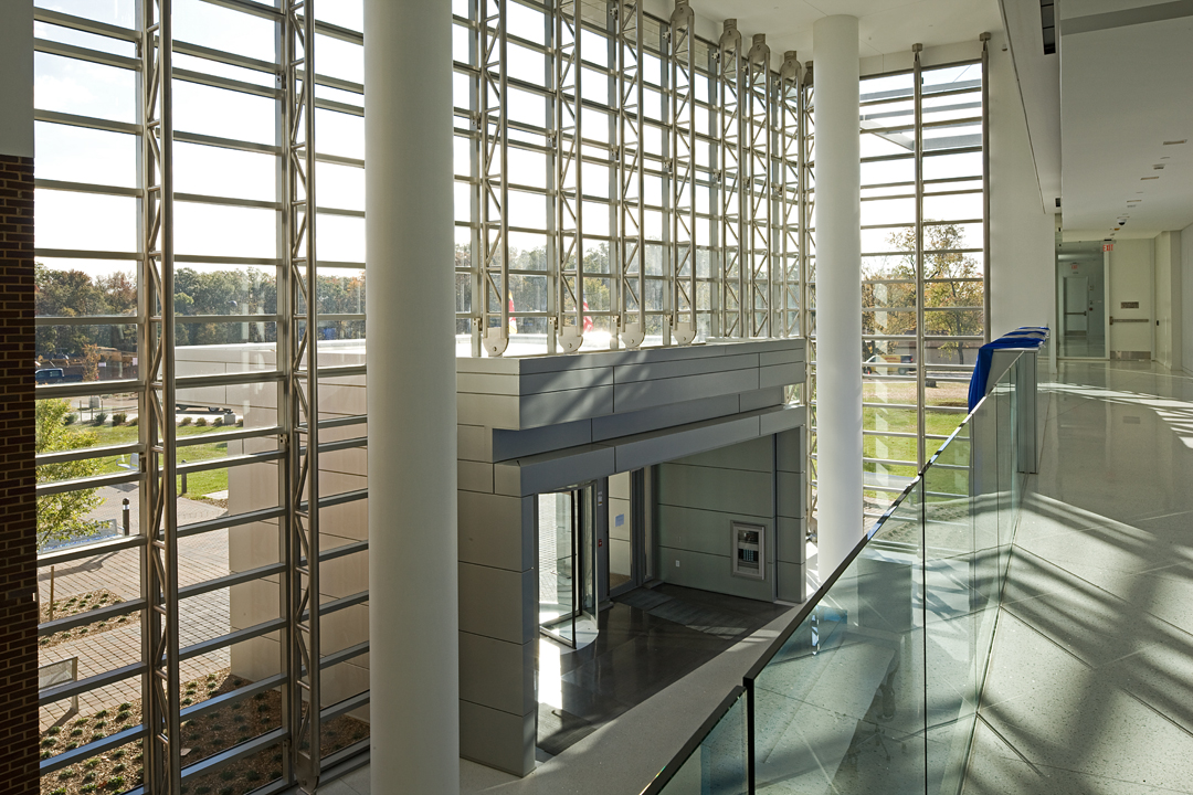 Curtain Wall Atrium : Designed to meet brac and leed air national guard